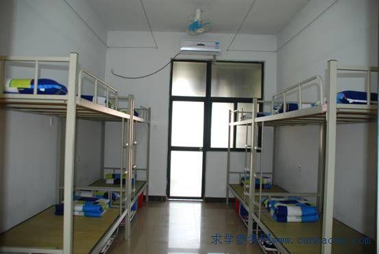 中山市技师学院学校环境住宿条件
