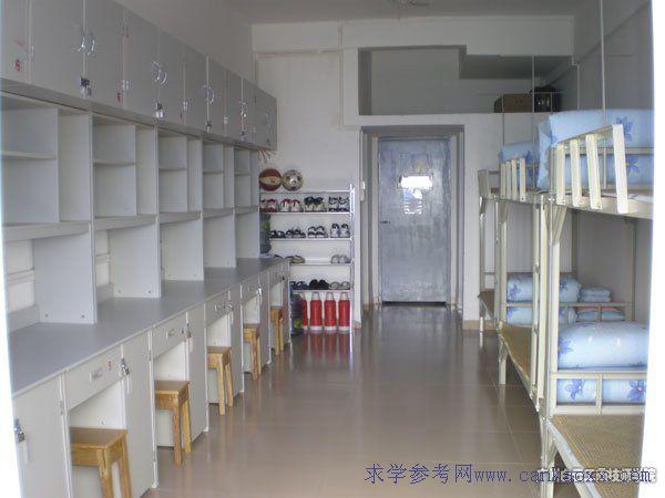 广州白云工商技师学院住宿条件 公寓设施