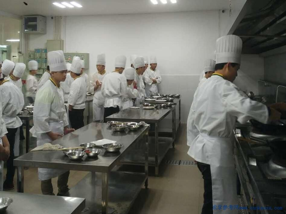 梅县技工学校烹饪专业厨师培训实训场景